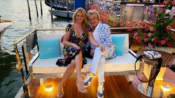 News video: Zum Geburtstag: Rod Stewart schenkt seiner Frau ein Boot