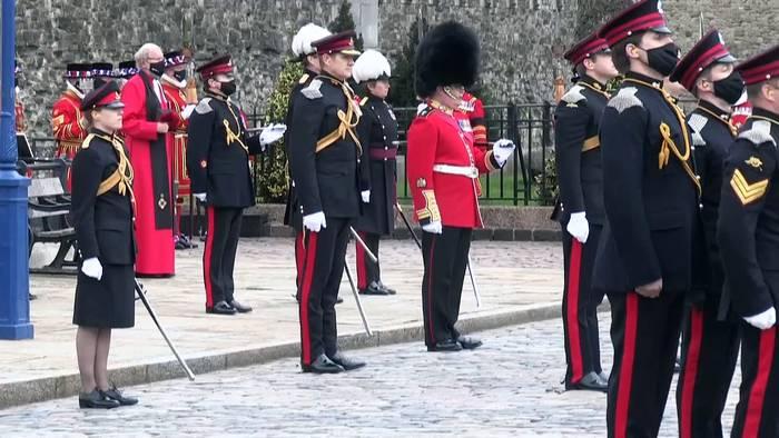 News video: Salut: 41 Schuss für Prinz Philip