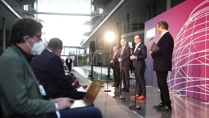 News video: Kanzlerkandidatur: Laschet und Söder sind bereit