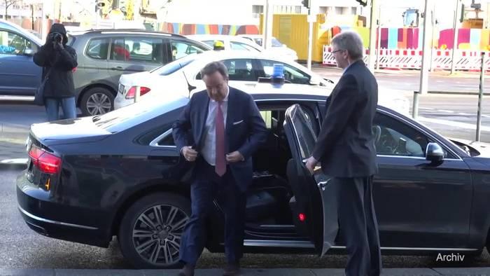 News video: Merkel hinter Laschet-Vorstoß für «Brücken-Lockdown»