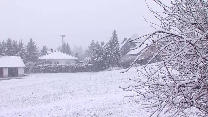 News video: Winter im Frühling · Schnee und Kälte beherrschen das Wetter