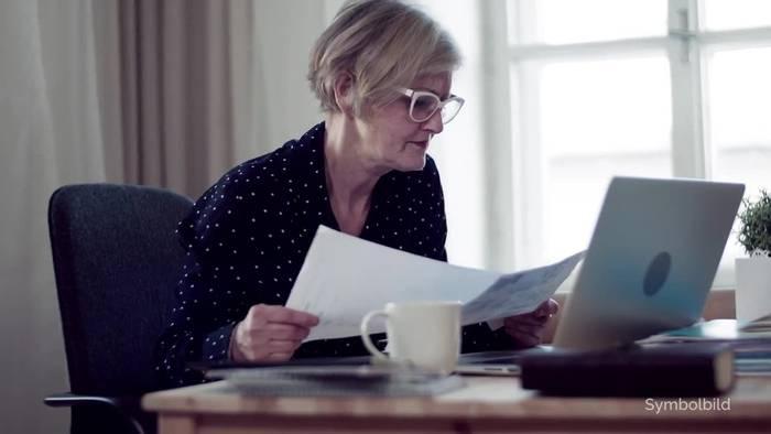 Video: Wirtschaftsinstitute: Rentenalter schrittweise anheben