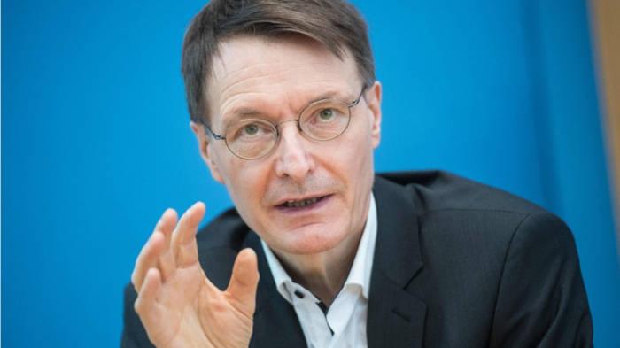 News video: Karl Lauterbach: Ausgangsbeschränkungen senken R-Wert um ein Fünftel