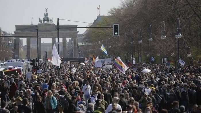 News video: Bundestag stimmt für bundesweite Corona-Notbremse