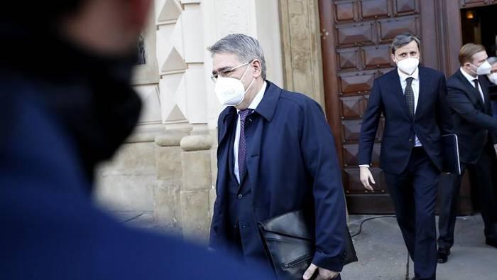 News video: Prag fordert: Russisches Botschaftspersonal verringern