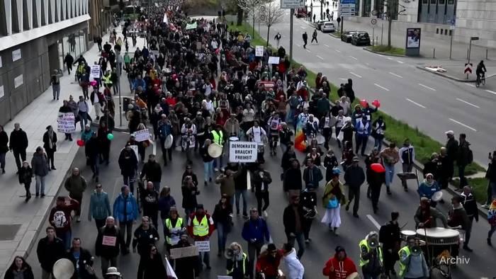 Video: Verfassungsschutz beobachtet Teile «Querdenken»-Bewegung
