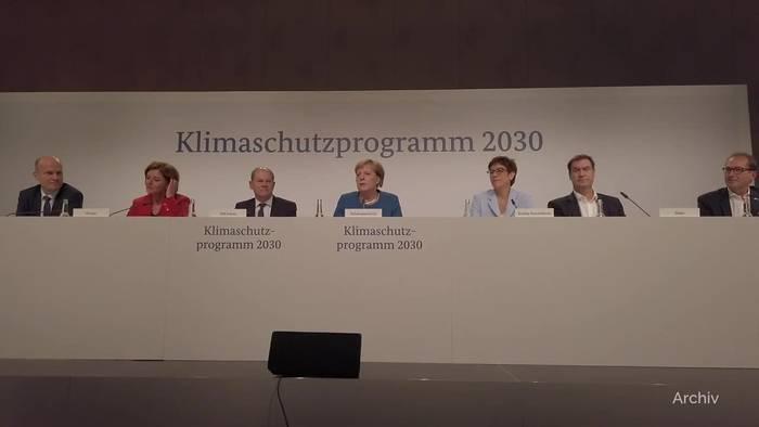 News video: Verfassungsgericht verdonnert Bund zu