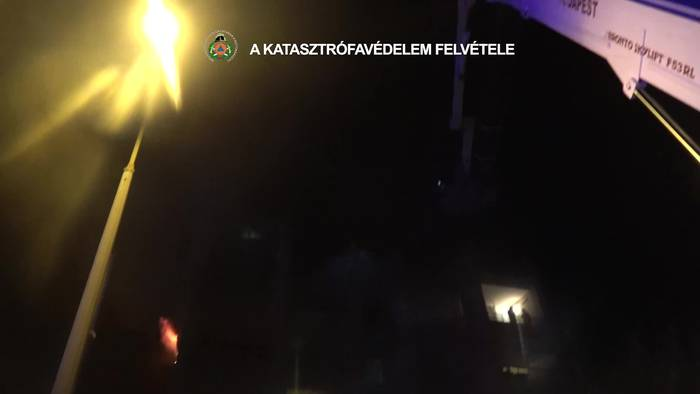 News video: Dramatische Rettung: Flammenhölle in Budapester Hochhaus!