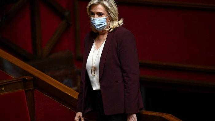 News video: Prozess um IS-Schockbilder: Rechtspopulistin Le Pen freigesprochen