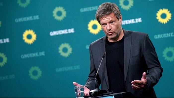 News video: Habeck fordert: Tempolimit auf Autobahnen und weniger Flugverkehr