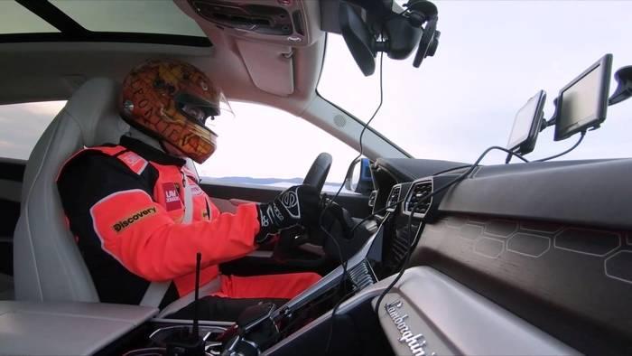 News video: Lamborghini Urus Eis-Geschwindigkeitsrekord offiziell bestätigt - Der 18-fache Rekordhalter Andrey Leontyev zieht Fazit