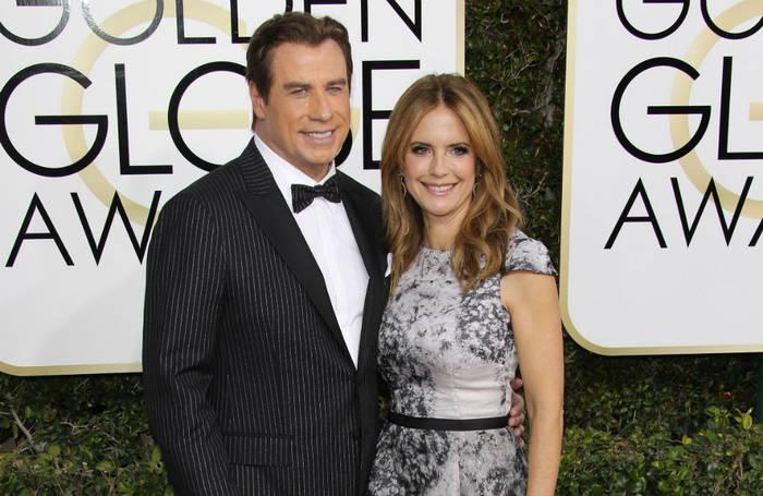 Video: John Travolta erinnert an Kelly Preston