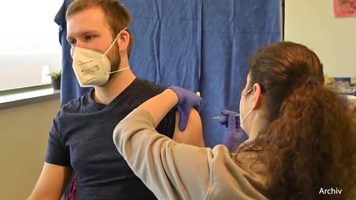 News video: Drosten: Gegen Corona impfen lassen - oder sich infizieren