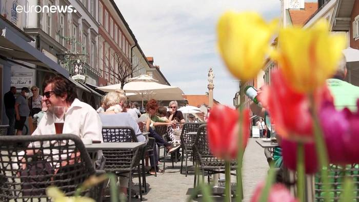 News video: 7-Tage-Inzidenz unter 100: Was Maas zum Sommerurlaub im Ausland sagt