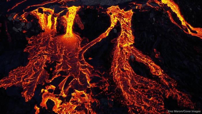 News video: Fagradalsfjall: Beeindruckende Bilder eines Vulkan-Ausbruchs
