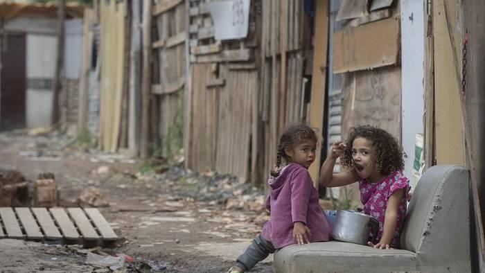 News video: Wie in Brasilien trotz Amazonas-Hochwasser geimpft wird