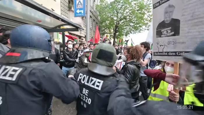 News video: Polizei verfolgt antisemitische Parolen bei Demonstration