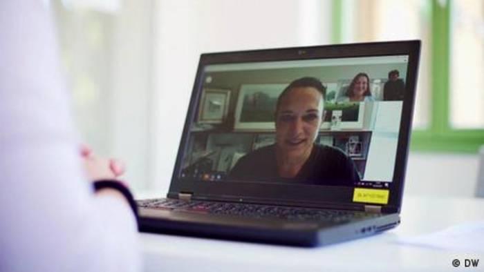 Video: Telemedizin - online zum Arzt gehen