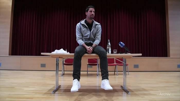 News video: Ex-Weltmeister Khedira beendet Fußball-Karriere