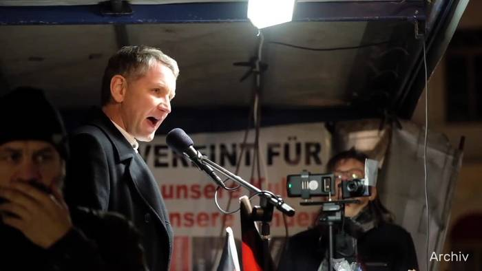 News video: Hausdurchsuchung wegen Volksverhetzung bei Höcke