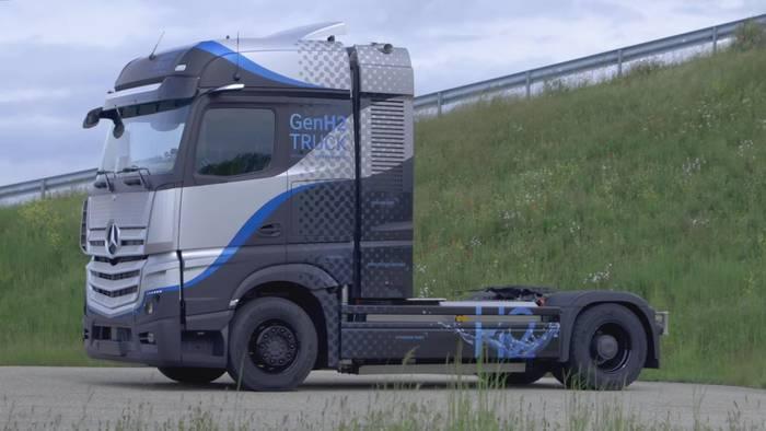 Video: Mercedes-Benz GenH2 Truck - Das Design