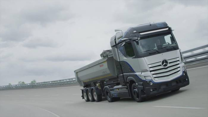 Video: Daimler Trucks startet intensive Tests seines Brennstoffzellen-Lkw
