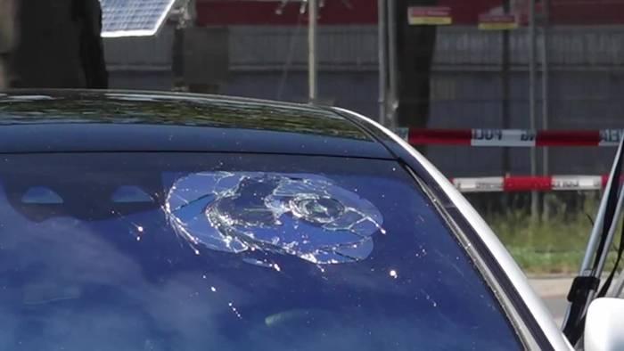 News video: Schüsse aus dem fahrenden Auto - Mann in Hannover tot