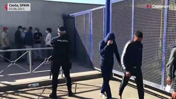 News video: Hunderte Ceuta-Migrant:innen beantragen Asyl