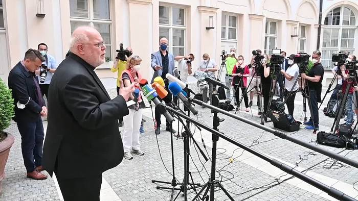 News video: «Ein Zeichen setzen» - Kardinal Marx bietet Rücktritt an