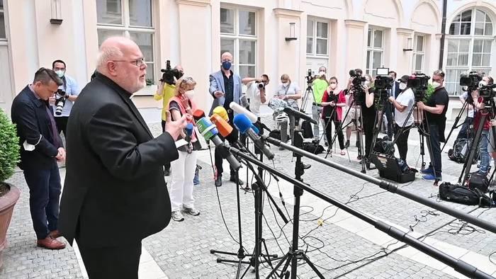 Video: «Ein Zeichen setzen» - Kardinal Marx bietet Rücktritt an