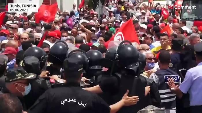 Video: Tunis: Zu Fuß gegen höhere Spritpreise