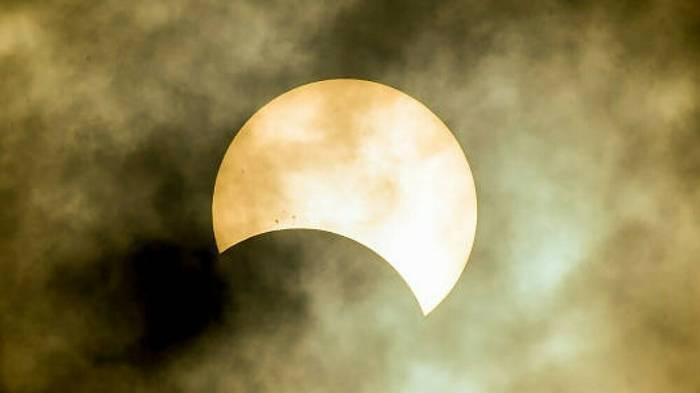 News video: Sonnenfinsternis am 10. Juni: So siehst du sie am besten