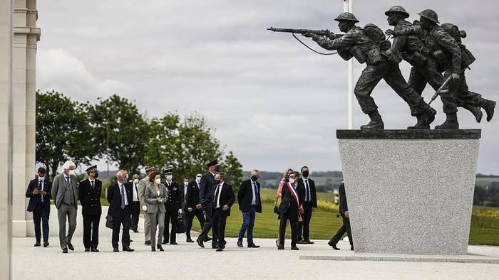 News video: In der Normandie gedenken Veteranen am 77. Jahrestag des D-Day