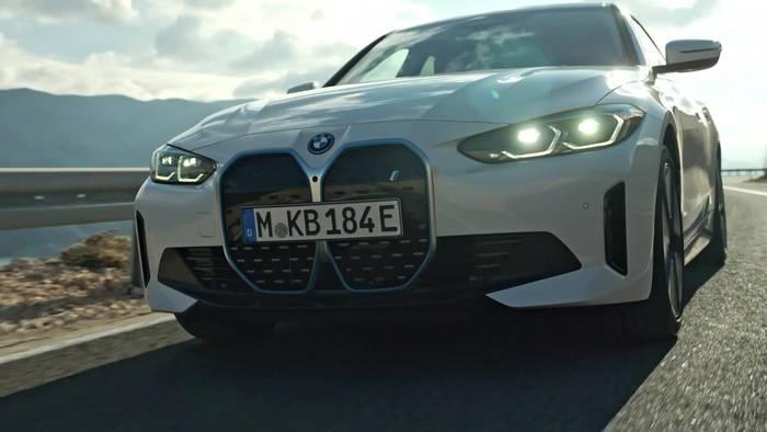 News video: Der erste BMW i4 eDrive40 - Fahrdynamik