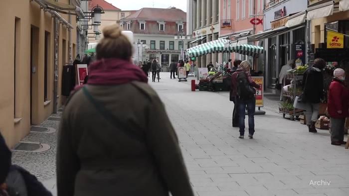 News video: Neustart in Gastronomie und Handel läuft noch verhalten