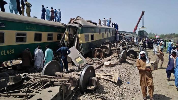 News video: Schweres Zugunglück in Pakistan