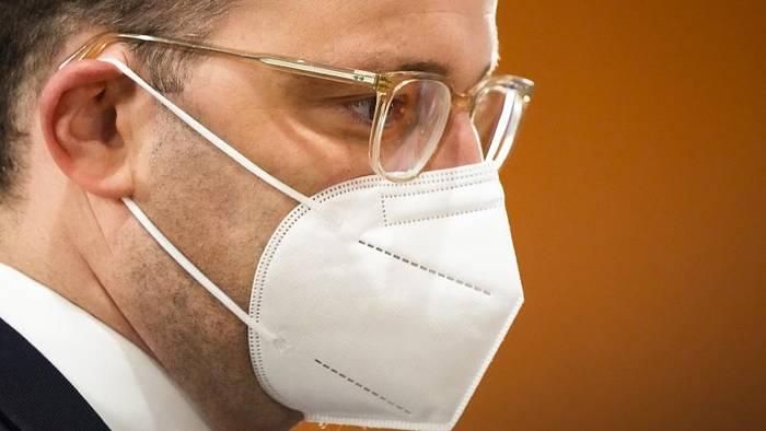 News video: Weniger als 1000 Neuinfektionen: Spahn für Ende der Maskenpflicht