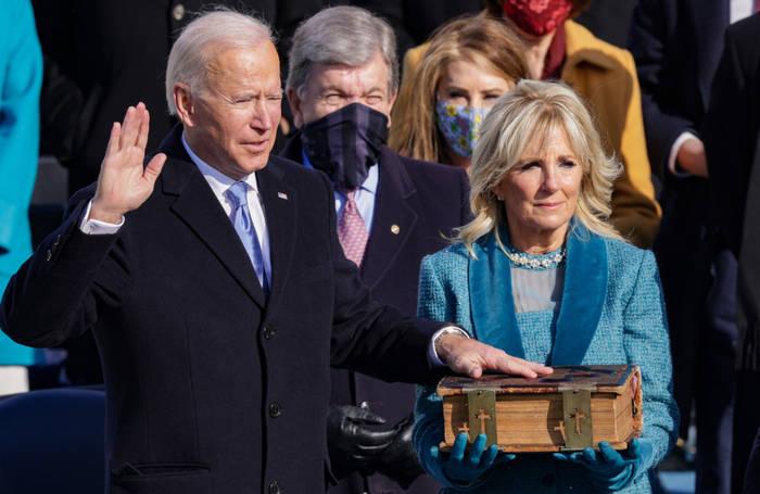 News video: Joe Biden vergleicht die Queen mit seiner Mutter