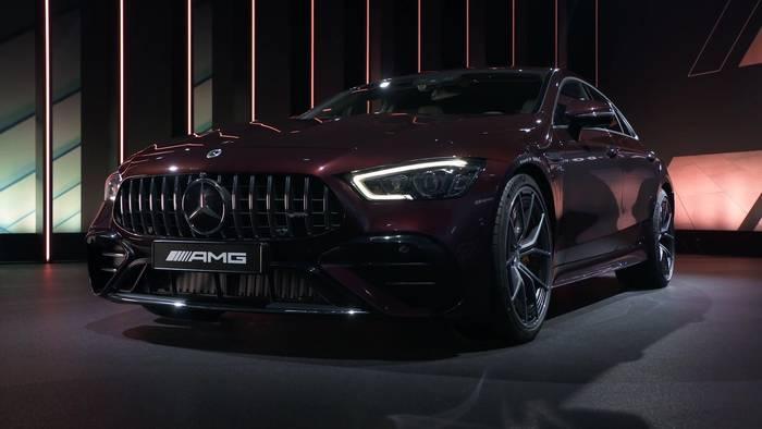 News video: Lifestyle-Update für das erfolgreiche Mercedes-AMG GT 4-Türer Coupé