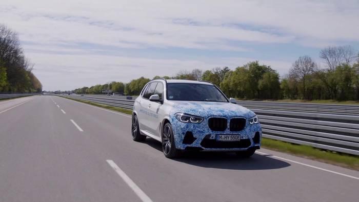 News video: BMW i Hydrogen NEXT - BMW typische Fahrdynamik durch elektrischen Antrieb mit einer Systemleistung von 275 kW 374 PS