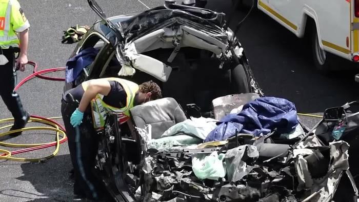 News video: Vier Tote bei Unfall auf A3 bei Regensburg
