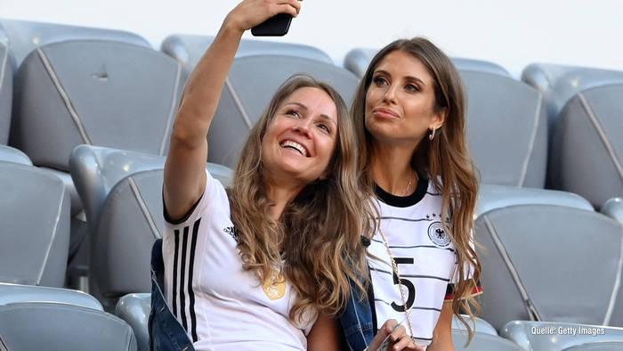 News video: Stylisch! So sexy sind die Spielerfrauen im Stadion der EM 2021