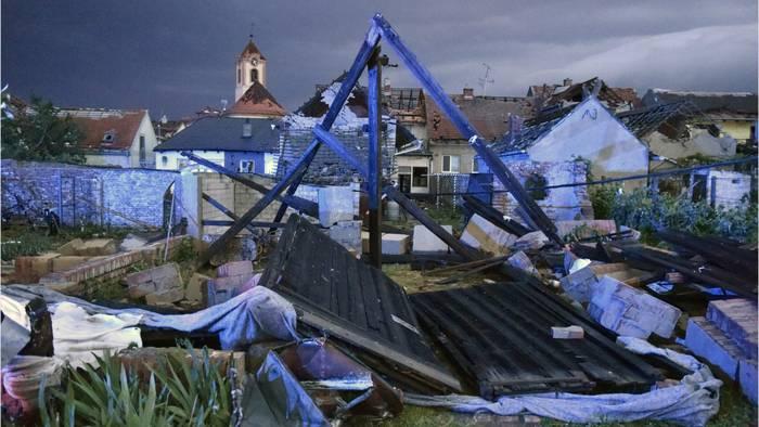 News video: Tote und Verletzte: So extrem hat ein Tornado Tschechien verwüstet