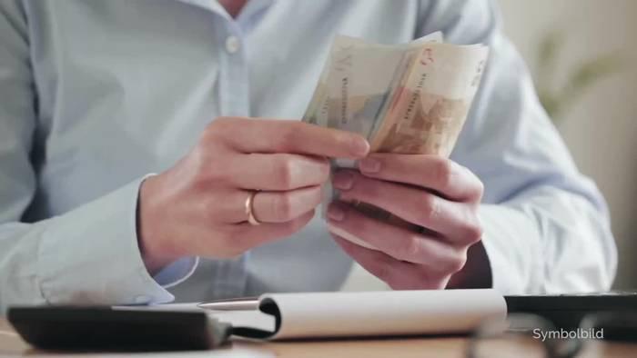Video: Rente, Glücksspiel, Einwegplastik: Das ändert sich im Juli