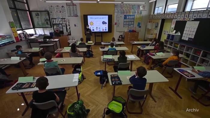 Video: Noch kein Normalbetrieb an Schulen nach dem Sommer