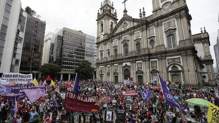 Video: Tausende demonstrieren in Brasilien gegen Präsident Bolsonaro
