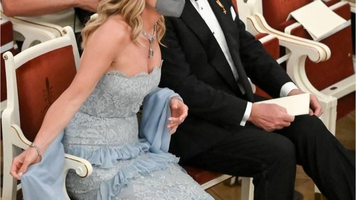 Video: Máxima der Niederlande - Spitze, Rüschen, schulterfrei: Ihr Kleid gebührt einer Königin
