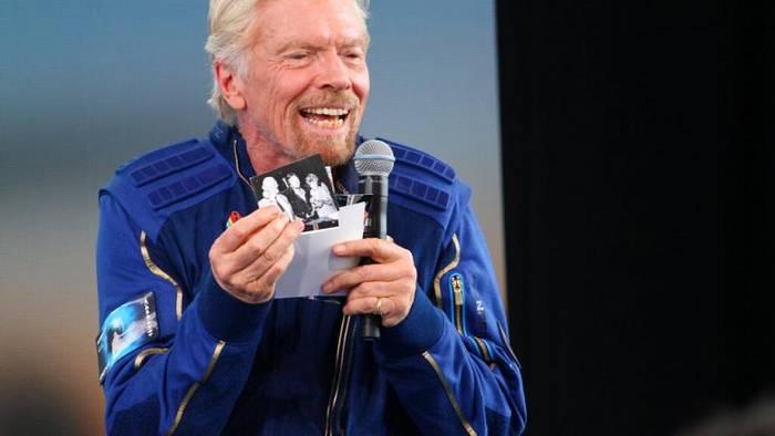 Video: 59 Minuten im All - Bransons hat sich Lebenstraum erfüllt