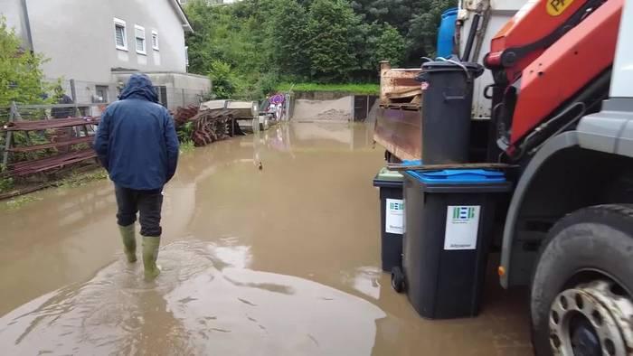 News video: Viele Orte unter Wasser - Lage bleibt angespannt
