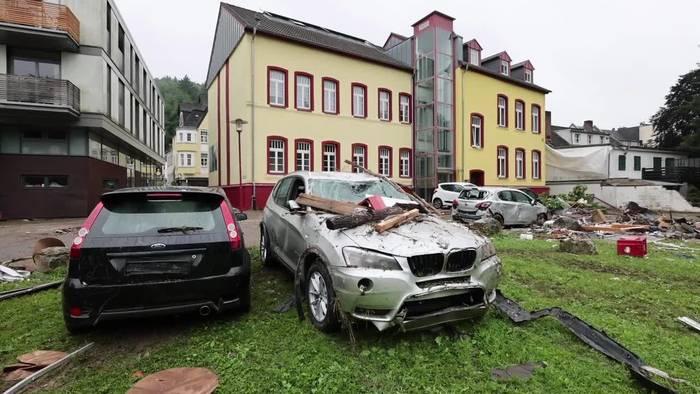 Video: Hochwasser im Westen - Zahl der Opfer steigt weiter